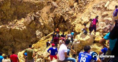 rescatan-a-mineros-de-socavon-otuzco