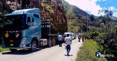 cientos-vehiculos-varados-sierra-libertena-protestas-otuzco