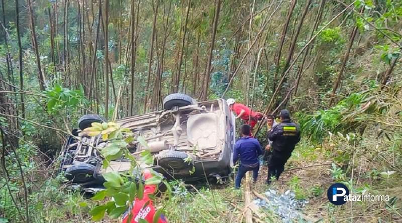 LA LIBERTAD | 7 heridos tras volcadura de combi en ande liberteño