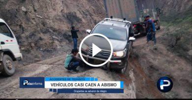 dos-vehiculos-casi-caen-abismo-carretera-sierra-libertena