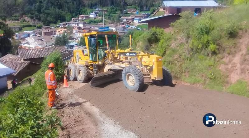 CHALLAS | Realizan trabajos previos a colocación de negro asfalto