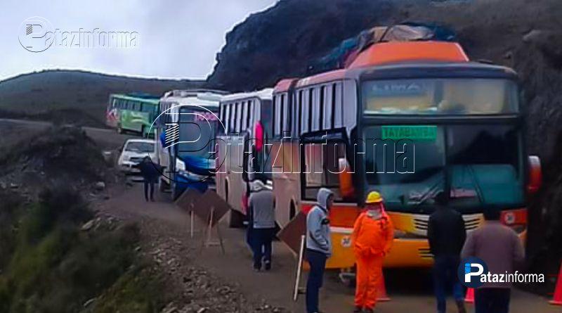 buses-escoltados-policias-sector-tanguche-tras-asalto-via-trujillo-tayabamba