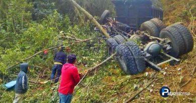 camion-cae-abismo-accidente-transito-provincia-santiago-chuco