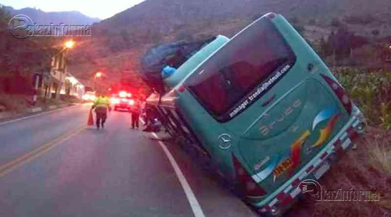 LA LIBERTAD   Pasajeros se salvaron de morir tras despiste de bus en la sierra