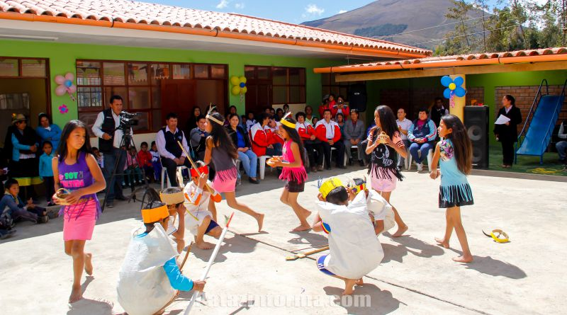 Inauguran moderno local educativo en Allauca