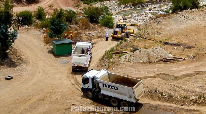 Tranquera en Huaylillas para transportistas de agregados