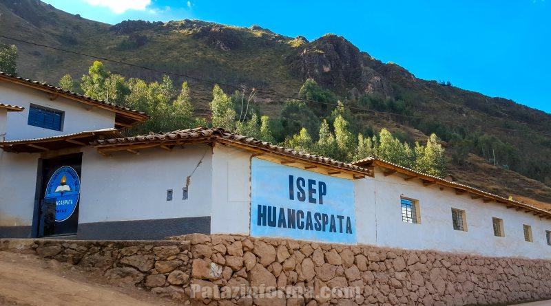 Denuncian a directora de instituto superior de Huancaspata