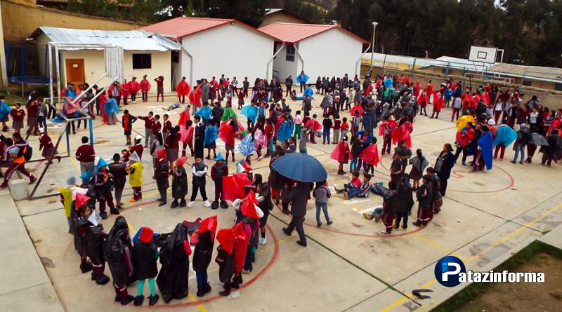 Colegios participan de simulacro y simulación Lluvias Intensas en Pataz