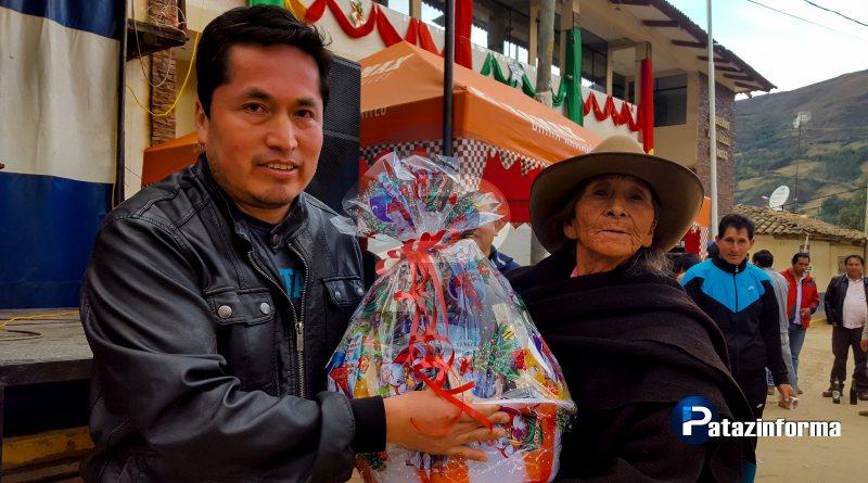 Comité de fiesta San Martín de Porres 2017 entregó canastas navideñas