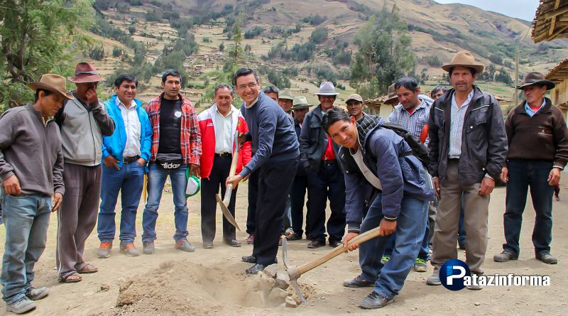 Colocan primera piedra para mejorar el servicio básico integral de Tinyabamba