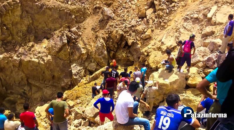 Rescatan con vida a tres mineros sepultados en un socavón en Otuzco