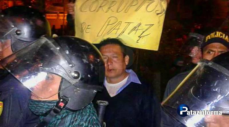 Comuneros de Llacuabamba agreden a Juez y pasean por calles tayabambinas