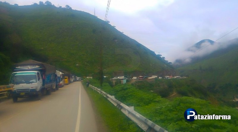 Restablecen parcialmente el tránsito en la vía que une a Trujillo con el ande