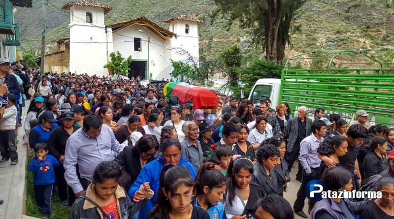 Cientos de patacinos dieron el último adiós al Alcalde Distrital de Huaylillas