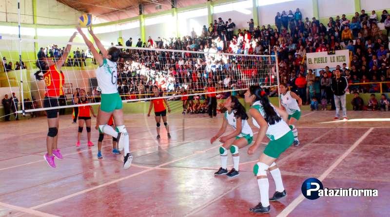 TAYABAMBA | Colegios Santo Toribio y Deliciana a la final de vóley sub 17