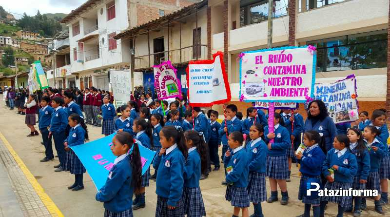 TAYABAMBA | Escolares marcharon con pancartas por día del medio ambiente