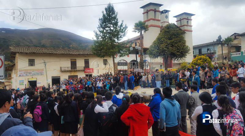PATAZ | Magisterio recibió el apoyo de los alumnos del ISEP Tayabamba