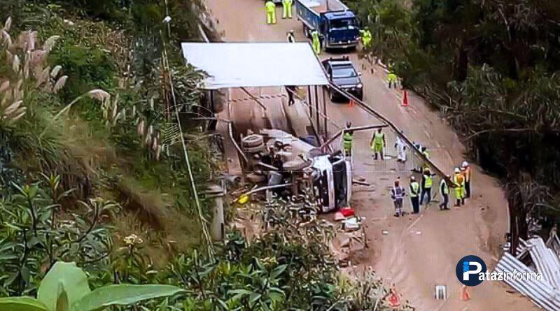 PARCOY | Cisterna de empresa OBRAINSA se vuelca y deja un herido