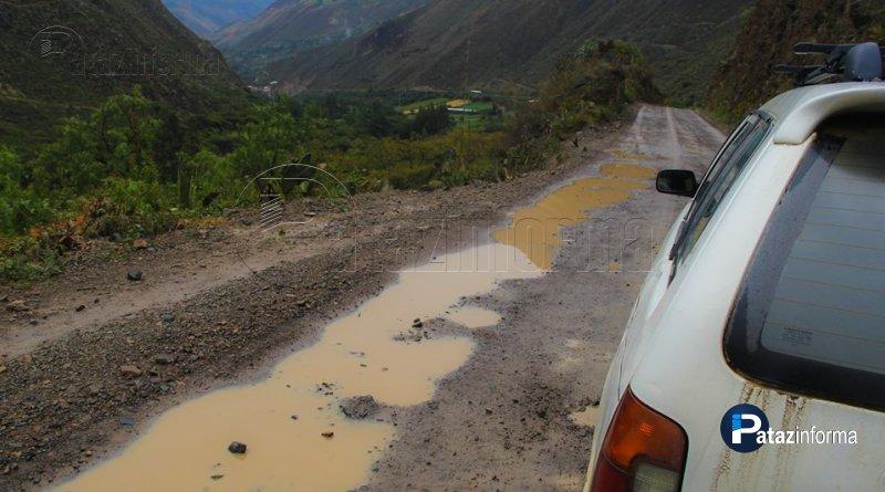 HUAYLILLAS | Indignación por carretera en mal estado y con huecos