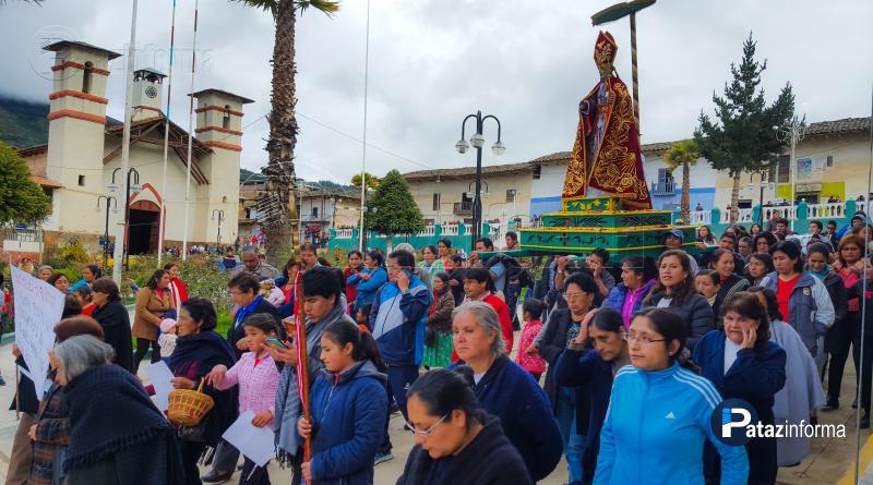 TAYABAMBA | Con bombos y platillos fieles reciben a Santo Toribio