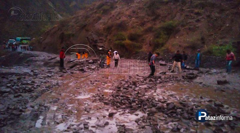 TAYABAMBA | Pase interrumpido vía Sihuas impide llegada de buses