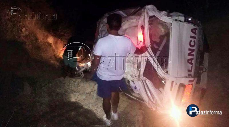 PATAZ | Ambulancia cae a abismo dejando 02 muertos y un herido