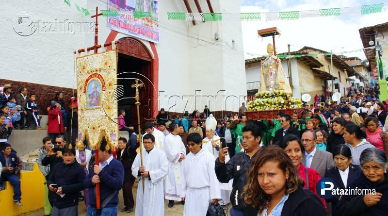 santo-toribio-salio-procesion-derramar-bendicines-calles-tayabamba-2018
