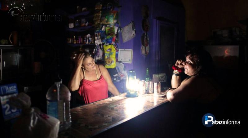 PARCOY | Calle comercio de Retamas sin luz desde hace tres días