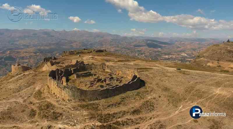 Enigmáticos e imponentes monumentos de Marcahuamachuco huamachuco