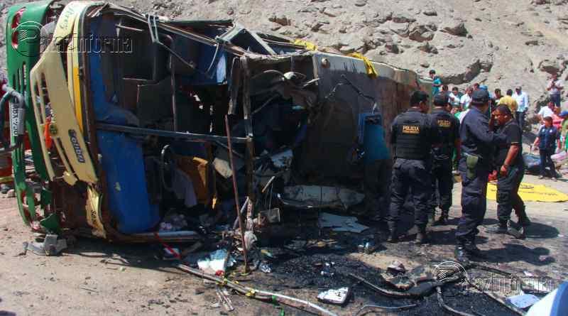PERÚ | Al menos 5 muertos y 40 heridos dejó accidente de bus en la sierra