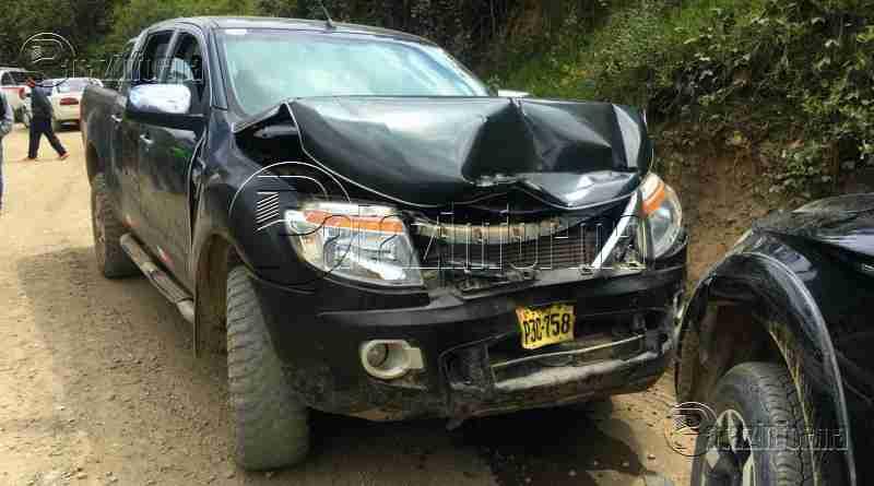 TAYABAMBA | 2 camionetas sufren aparatoso choque en la ruta a Retamas