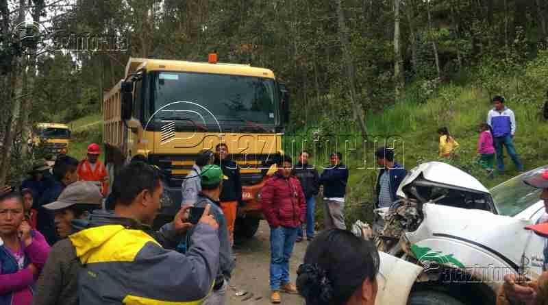 TAYABAMBA | Violento choque dejó 4 heridos en carretera a Huancaspata
