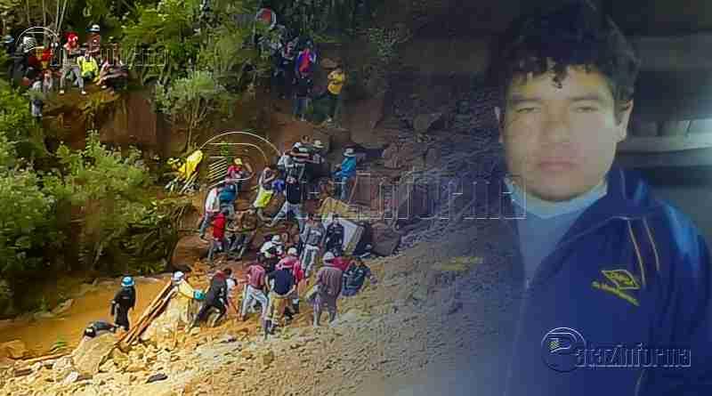PARCOY | Rescatan con vida a mineros atrapados en mina abandona
