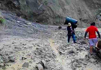 PATAZ | Deslizamientos de lodo y piedra impiden el tránsito vehicular