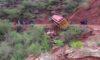 PATAZ | Pasajeros salvan de milagro. Bus quedó al borde del abismo