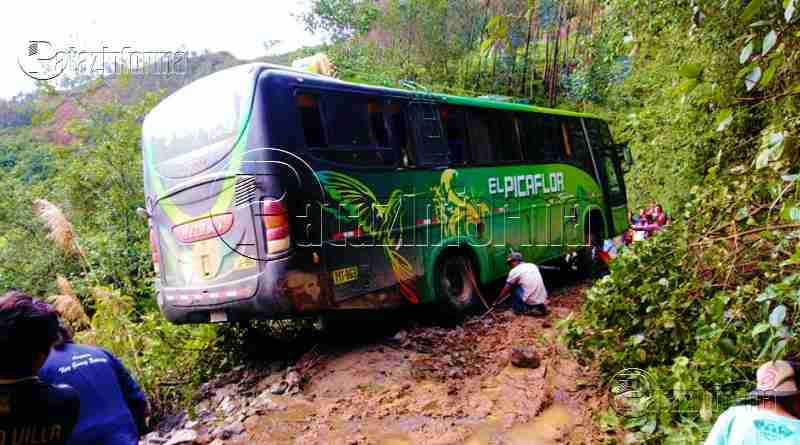 PATAZ | Bus interprovincial casi cae a abismo vía Chagual – Chilia