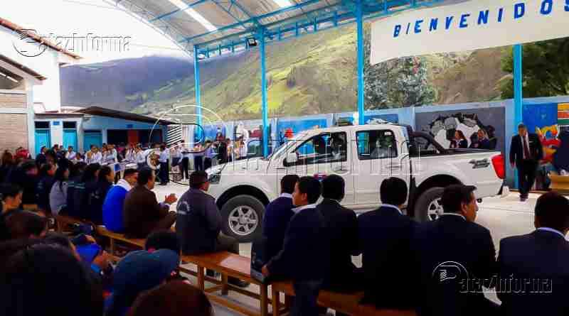 PARCOY | Alumnos de Llacuabamba inician clases con camioneta