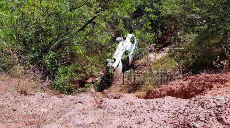 Auto cayó a abismo en el sector Alpamarca, distrito de Parcoy