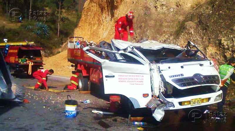 Un muerto y 2 heridos dejó choque de cisterna contra un cerro