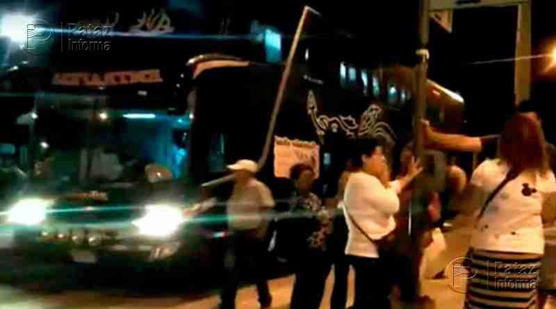 Delincuentes balean bus interprovincial para asaltar a pasajeros