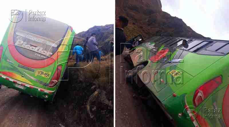 Bus interprovincial terminó a un costado de la vía rumbo a Trujillo