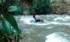 Policía busca a trabajadora municipal que cayó al río Santa